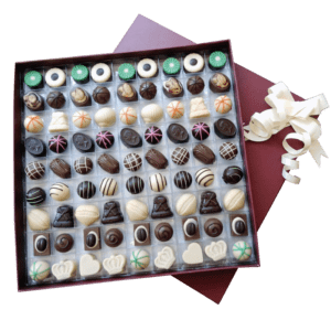 Caja super grande con 81 chocolates
